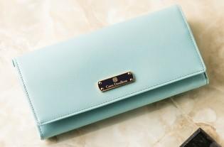 c7aa0851004b ココマイスターと言えば、本物志向の男性が認める日本製の高品質の皮革ブランドです。特にメンズの長財布は有名で1,2位を争う人気のブランドです。